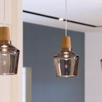 Glas-Pendelleuchte-Holzfassung-Industrial-15-16P-dreizehngrad