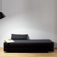 Tilt-schwarz-Sofa-schräg