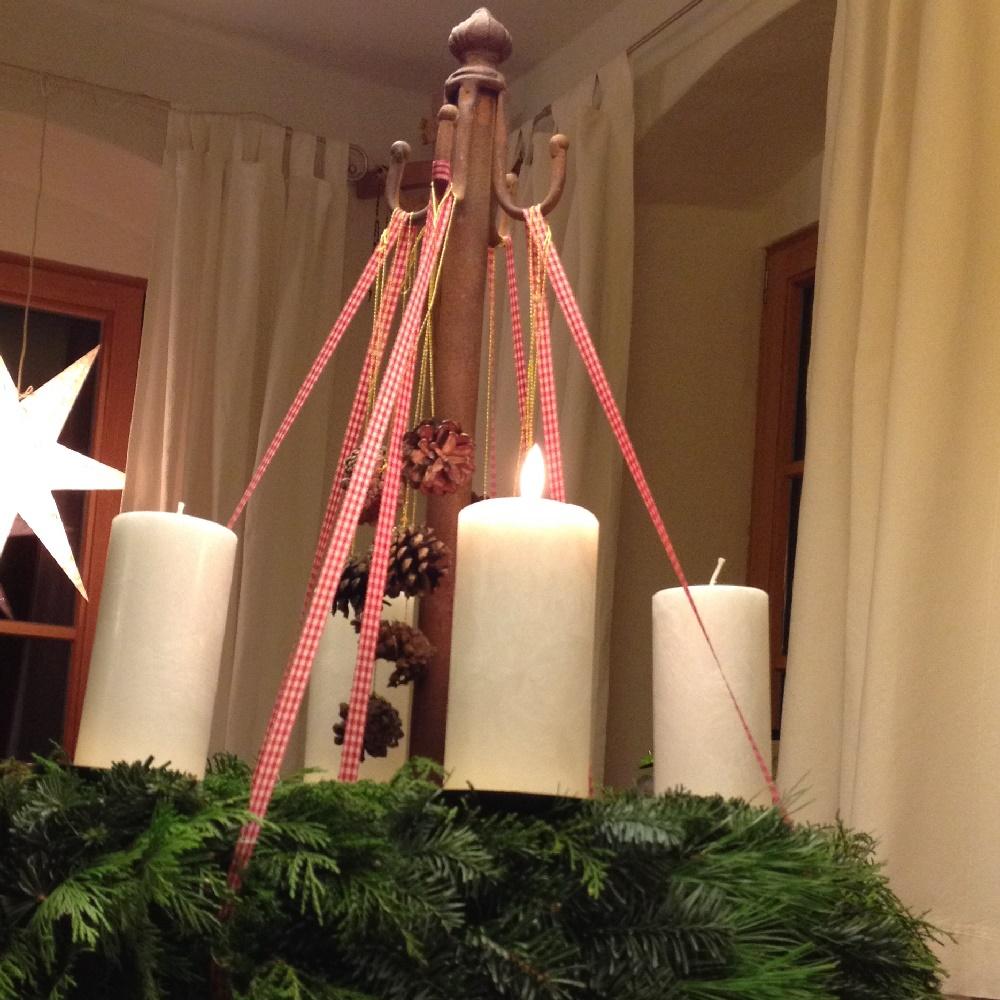 advent advent ein lichtlein brennt es ist wieder so weit licht freude. Black Bedroom Furniture Sets. Home Design Ideas