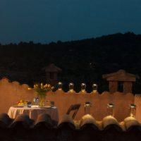 21 Romantisches Dinner am Abend