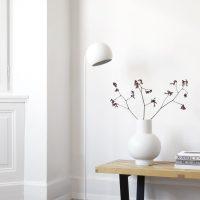 Nyta_Tilt-Globe-Floor_all-white_1