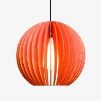 Holz-Lampe-AION-rot-Textilkabel-schwarz