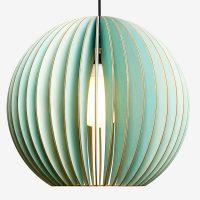 Holz-Lampen-aus-Berlin-AION-XL-blau-Textilkabel-schwarz