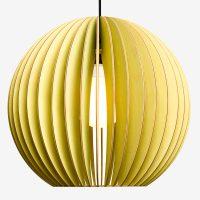 Holz-Lampen-aus-Berlin-AION-XL-grün-Textilkabel-schwarz
