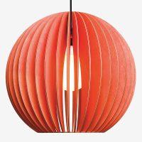Holz-Lampen-aus-Berlin-AION-XL-rot-Textilkabel-schwarz
