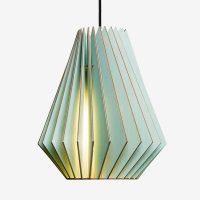 Holz-Lampen-aus-Berlin-HEKTOR-L-blau-Textilkabel-schwarz