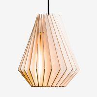 Holz-Lampen-aus-Berlin-HEKTOR-L-natur-Textilkabel-schwarz