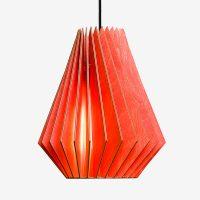 Holz-Lampen-aus-Berlin-HEKTOR-L-rot-Textilkabel-schwarz