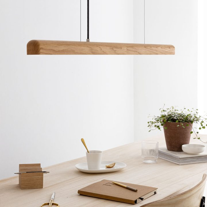 LED-wood-pendant-light-oak-2-RAY-by-IUMI-DESIGN