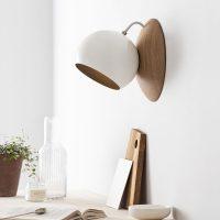 ORBIT-Wandlampe-aus-Holz-EICHE-magnetisch-verstellbar