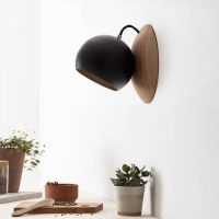 ORBIT-wooden-wall-lamp-made-of-oak-black-shade-magnetic